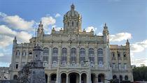 Na Kubu pět minut po dvanácté. Oblečení jako nedostatkové zboží a zákaz cestovat sám v autě