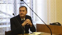 Premiér nemá lhát, zdůraznil u soudu šéf Transparency. Žádá Babiše o omluvu za výrok o zkorumpovanosti