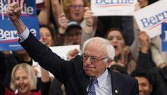 PETRÁČEK: 'Anti! Anti! Anti!' Bude Bernie Sanders první, kdo uspěje s negací?