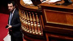 Bývalý italský ministr Salvini musí před soud v případě zablokované lodi s utečenci