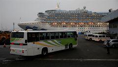 Novým typem koronaviru se na výletní lodi u Jokohamy nakazilo už 355 lidí