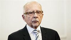 Šest členů rady vlády pro romské záležitosti kritizuje ombudsmana Křečka, cíleně prý podkopává důstojnost Romů