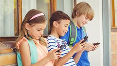 Kyberšikana bují ve školách. Přibylo dětí, které někdo obtěžoval na síti