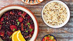 Husty guláš s fazolemi, masem a chilli. Jak na brazilskou feijoadu?