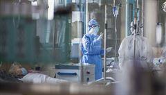 Nemůžeme pomoci všem s koronavirem, rozhodujeme se jako za války, říká italský lékař
