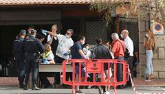 Turisté v hotelu na Tenerife jsou v izolaci. Bojí se nákazy koronavirem