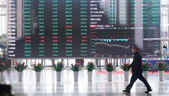 Na trhu vládne panika, akcie mohou dál padat. Investoři prudce reagují na koronavirus a válku o cenu ropy