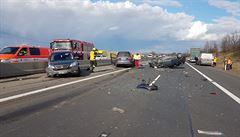 Nehoda čtyř vozidel uzavřela dálnici D10 u Prahy, provoz je obousměrně obnoven