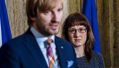 V Česku je pět případů koronaviru. Nakažená je i spolužačka Američanky, v karanténě jsou taxikáři a číšník