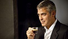 Starbucks a Nespresso čelí skandálu kvůli dětské práci. Tvář firmy Clooney je ze zjištění 'zarmoucen'