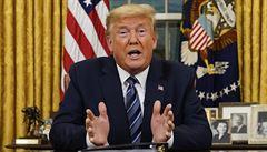 Trumpův boj s nákazou. Miliony lidí v USA si nemohou dovolit léčbu, nemají pojištění