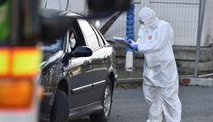 Z pražské Bulovky utekl pacient nakažený koronavirem, policie ho chytla po půl hodině