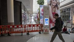 Přístup obchodních center ke snižování nájmu se liší, některá za snížení požadují prodloužení smluv