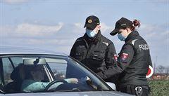 Slovensko prodlouží hraniční kontroly do 26. června. Do měsíce rozhodne o otevření země pro Čechy