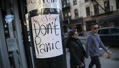 New York z obavy z viru zavírá školy, restaurace i další podniky. K podobnému kroku přistupují i další části USA
