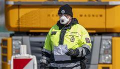 Policie upře pozornost na sjezdovky a hranice, cizinci musí mít negativní test