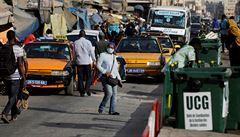 Afrika covidu-19 překvapivě vzdoruje. Její obyvatelé jsou odolnější vůči virům, země ale málo testují