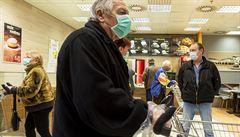 Vyhrazení nákupních hodin pro důchodce jako na jaře se nechystá, řekl ministr Prymula