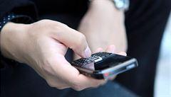 Víme, ve kterých zemí mohou vlády sledovat síť Vodafonu, tvrdí agentura