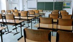 Školy se v plném rozsahu do července neotevřou. Stát je plánuje otevírat postupně