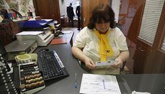 Přes 1500 poboček pošty mění kvůli pandemii otevírací dobu. Lidé kritizují polední pauzu