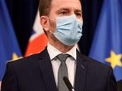 Slovensko zavede večerní zákaz vycházení a povinné respirátory. Ze hry stále není ani tvrdý lockdown