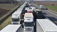 Europarlament přijal nová pravidla pro kamiony. Dopravci nebudou muset platit řidičům různé mzdy