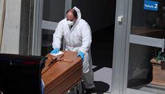 Muž šel do nemocnice v Barceloně na odběr krve, po dvou dnech ho tam našli mrtvého na toaletě