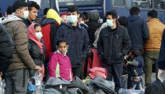 Řecko zaznamenalo první případ úmrtí s covidem-19 mezi migranty. Tábor je od září v karanténě