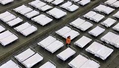 Tisíce uren a fronty v pohřebních ústavech ve Wu-chanu. Vzrůstají pochybnosti o čínských statistikách
