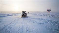 NOMÁDI: Útěk ze Sibiře. Naší šancí je dostat se do Estonska a poslat auto po moři, píší čeští cestovatelé