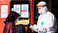Ve středu přibylo v Česku nejméně případů covid-19 za posledních šest dní. Za čtvrtek zatím 17 nově nakažených