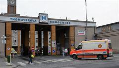 Policie vyšetřuje smrt sestry z Thomayerovy nemocnice. Pracuje s verzí náhlého úmrtí