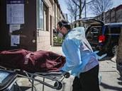 Ve státě New York rapidně narostl počet úmrtí na covid-19. Úřady hlásí už 5489 obětí