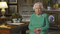 Královna Alžběta II. slaví 94. narozeniny. Co nosí v kabelce a kolik měla premiérů?