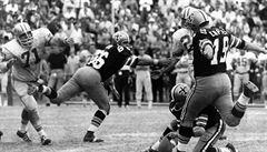 V NFL zářil i bez prstů na noze, teď kopáč Dempsey podlehl koronavirové nákaze