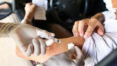 Význam očkování vzrůstá. Na podzim nás nejspíše čeká druhá vlna nového koronaviru, varují vědci