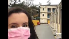 Nábytek z Ikey a uvítací balíček s nudlemi. Novinářka si prošla karanténním táborem v Hongkongu