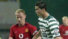 Když osmnáctiletý Ronaldo zaujal United. 'O'Shea musel jít po poločase na kyslík,' vzpomíná Ferdinand