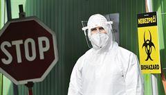 Vědomě šířili virus, teď jim hrozí osm let vězení. Policie eviduje osmnáct případů roznášení covidu