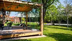 Home office v zahradě. Jak si vytvořit kancelář mezi keři a stromy?