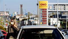 Éra zlevňování benzinu končí, přesto jsou pohonné hmoty v Česku nejdostupnější od konce války