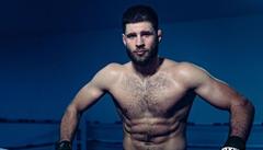 Procházkův debut v UFC se blíží. Ukažte, jak mu Jirka dal, žádá babička