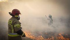 VIDEO: V Polsku hořela část vesnice, plameny zasáhly 40 budov. Ztráty jsou obrovské, povzdechla si starostka