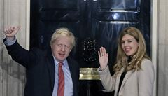 Britskému premiérovi Johnsonovi a jeho snoubence Symondsové se narodil syn