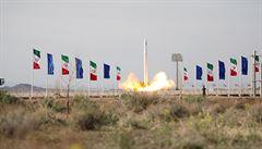 Start íránské rakety se satelitem je podle Británie značně znepokojivý. Teherán kritiku odmítá