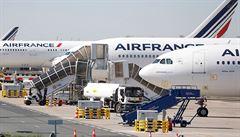 Aerolinky Air France chtějí, aby 8300 lidí odešlo dohodou. Firma sníží počet vnitrostátních letů