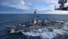 Na americkém torpédoborci v Karibiku se rozšířil koronavirus, Pentagon nakažené evakuoval