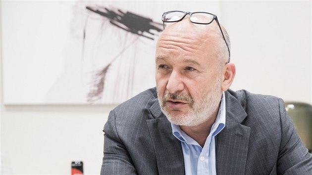 Bez Číny se ještě dlouho neobejdeme, říká šéf poradenské společnosti Josef Kotrba