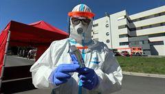 Počet případů koronaviru v Česku přesáhl magickou hranici. Covid-19 má nyní už jen lokální ohniska
